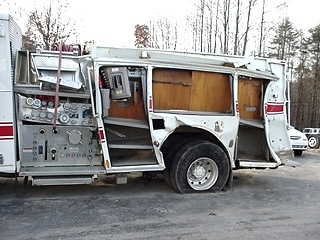 2004 PIERCE FIRE TRUCK PUMPER DAMAGED/WRECKED- SALVAGE PARTS FOR SALE