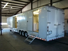 SHOWER TRAILER FOR SALE OR LEASE 48FT GOOSENECK TRAILER ( 13 SHOWER )